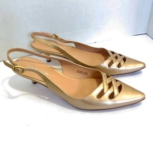 NWOT Via Spiga gold kitten heels